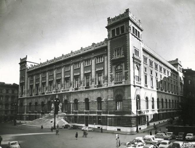 L 39 archivio storico della camera per il 150 anniversario for Parlamento montecitorio