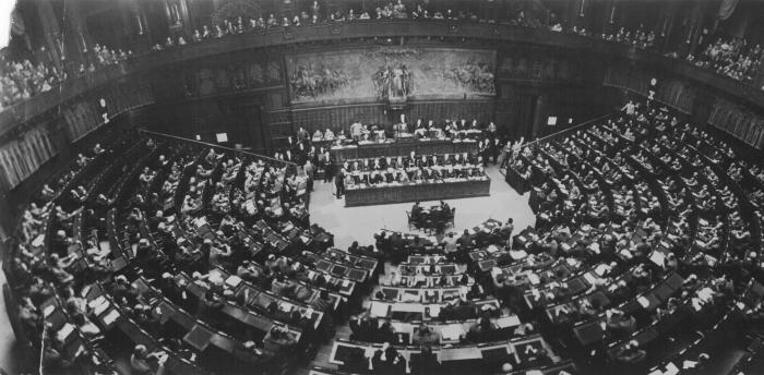 Archivi della transizione costituzionale 1944 1948 for Camera dei deputati archivio storico