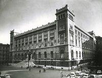 Piazza del Parlamento - Visuale d'insieme dall'angolo di Via della Missione