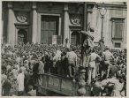 Dimostrazione dell'Associazione mutilati e invalidi di guerra e di reduci davanti a Montecitorio