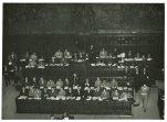 Discorso dell'onorevole Pella alla Camera in occasione del voto di fiducia al suo governo; in alto il presidente Gronchi