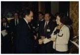Il Presidente Irene Pivetti consegna le medaglie agli ex dipendenti della Camera dei Deputati