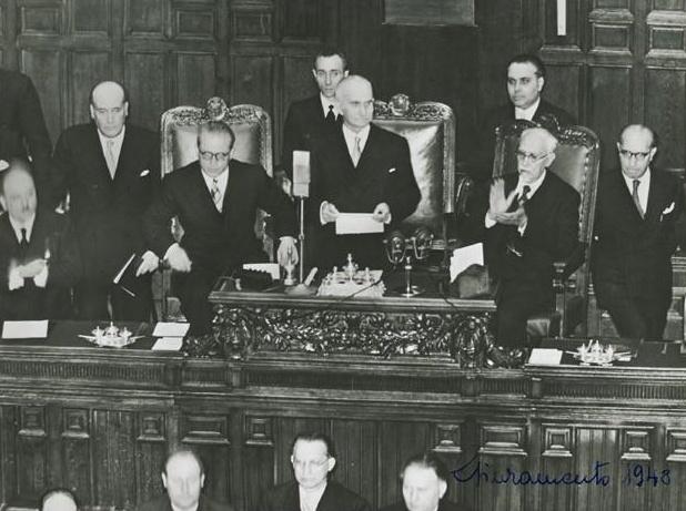 Archivi del periodo repubblicano 1948 2008 patrimonio for Struttura del parlamento